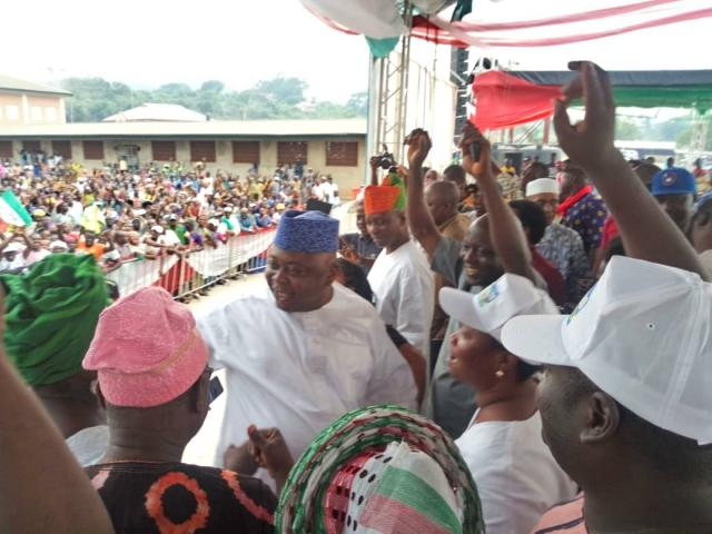 Hon Ladi Adebutu with supporters at Abeokuta Court