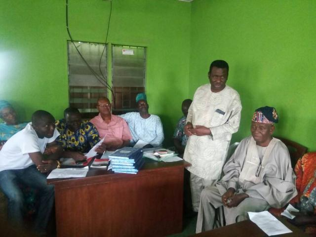 Arc Kayode Adebayo addresses the people at the Inauguration of Ikenne LG PDP Caretaker Committee