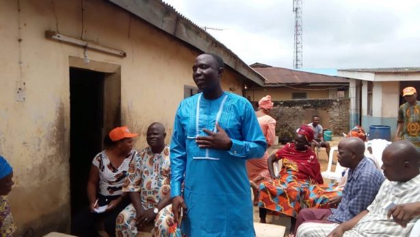 Omooba Solarin addressing ward executive officers
