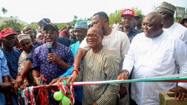 Adebutu donates 500KVA Transformer to Ofada Community