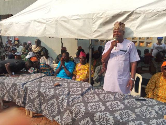 PDP Chairman in Ikenne LG, Hon Kamorudeen Ariyo, enjoins members to dedicate themselves to the victorious outing of the party in the coming elections