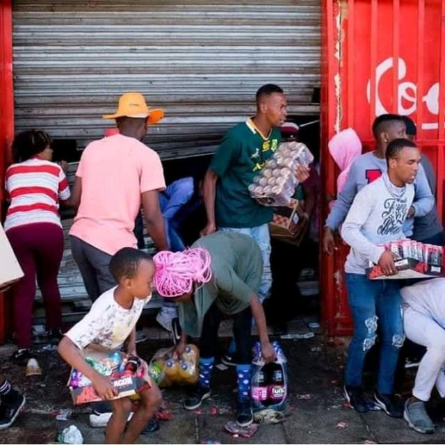 Scene of Xenophobic Attacks in South Africa - People Panicking